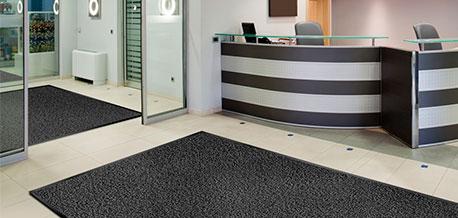 Fußmatte im Eingangsbereich eines Büros