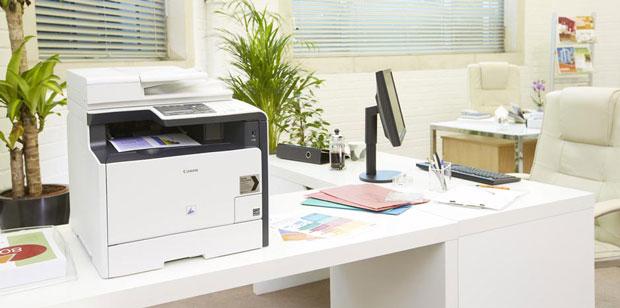 Laser-Multifunktionsgerät in einem Büro