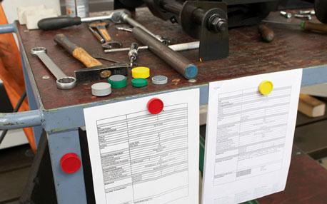 Einsatz von Magneten in eienr Werkstatt